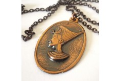 Magnetic Necklet 'Nefretiti' Oval Medallion - Antique Copper-like finish