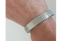 Magnetic Expandable 'Medium' Silvertone Stainless Steel Bracelet