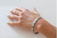 Magnetic Bracelet 'Bond' Stainless Steel - Silvertone